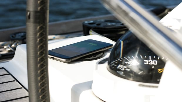 Scanstrut-ROKK-wireless-S-C-CW-02E-Yacht-Helm