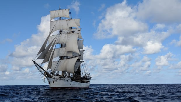 PICTON CASTLE under sail with stunsls WV7 compressed