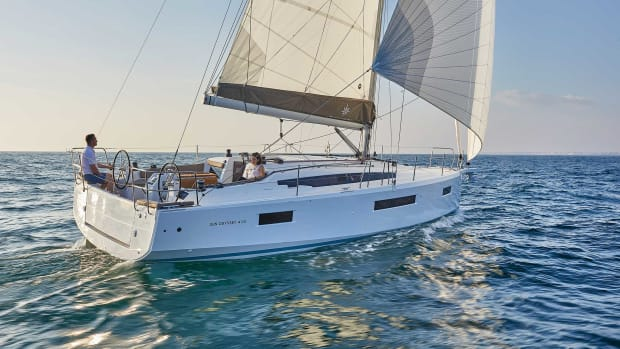 Sun-Odyssey-410-Aft-quarter