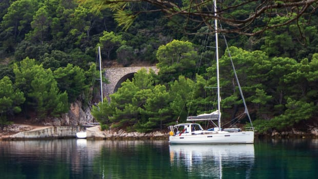 04-Yacht-anchored-in-front-of-one-of-Lastovo's-gunboat-tunnels-(3)