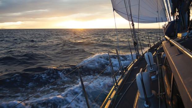 01-LEAD-Sailing-upwind.-300-dpi