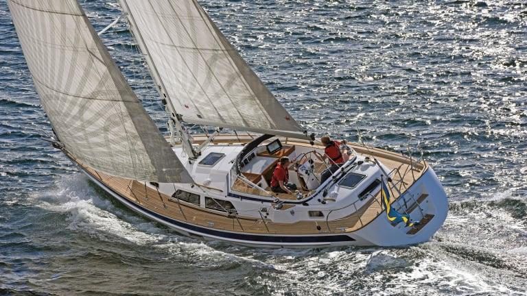 Boat Review: Hallberg-Rassy 40 Mk II