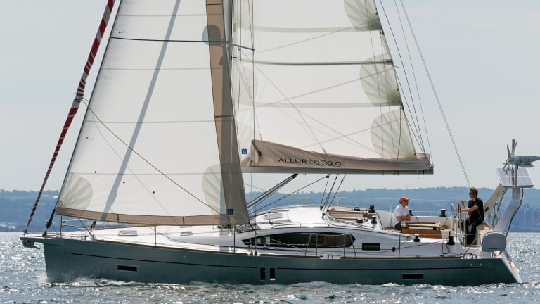 Boat Review: Allures 39.9