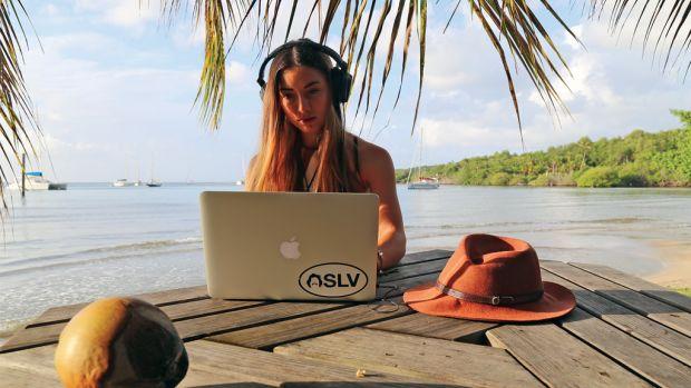 Elayna of Sailing La Vagabonde puts her editing skills to use