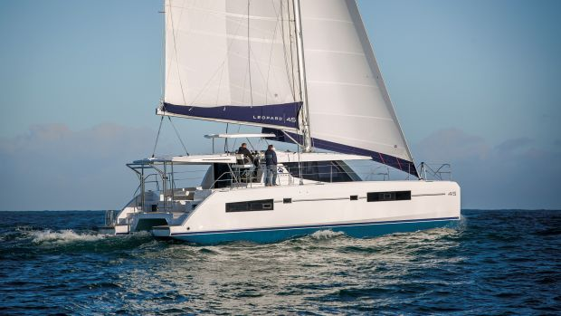 An unconventional design that works well both underway and at anchor