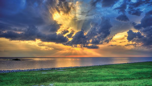 Beautiful-Clouds-Over-Lake-Okeechobee
