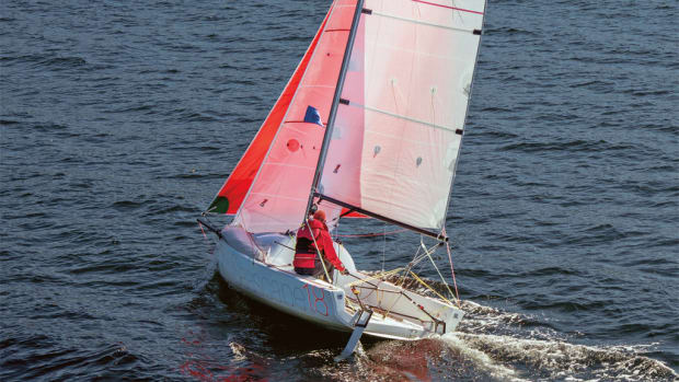 A fast and simple sport boat that you can also cruise