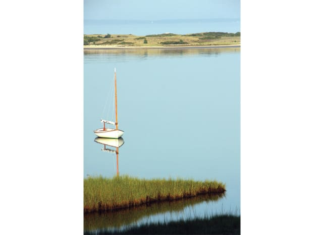 15ft Marshall Sandpiper Catboat, on Lake Tashmoo, Martha's Vineyard.