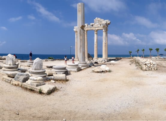 Side's-magnifiient-ruins-(pano)