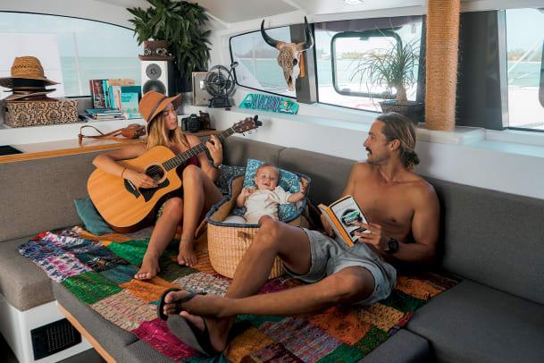 05-Riley-and-Elayna-and-Lenny-onboard-La-Vagabonde