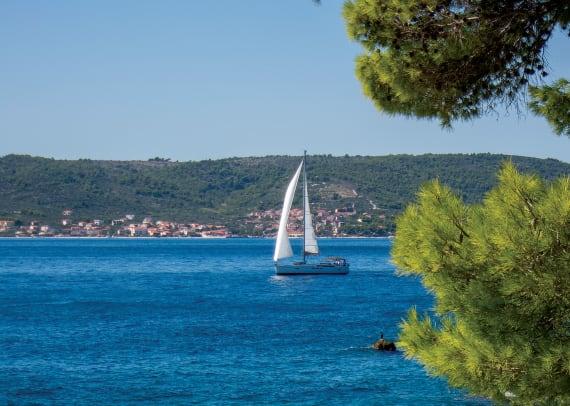 08-Sailing-off-the-coast-of-Split