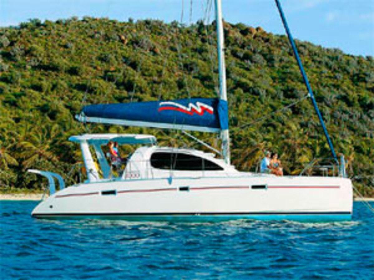 moorings4000-sailing.interior