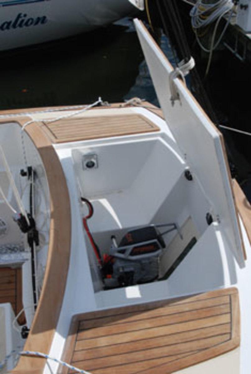 Tartan-Fantail-Detail-motor