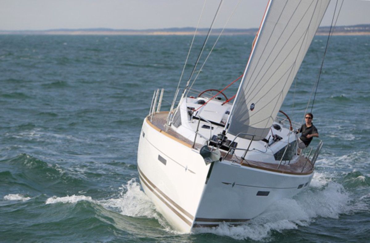 Jeanneau-41DS_under-sail