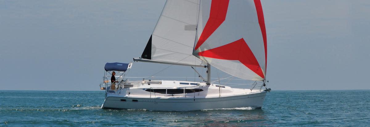 Hunter 33 - Sail Magazine