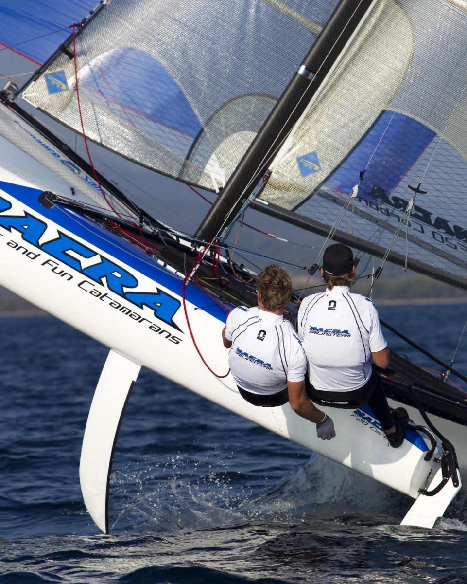NF20-sailing3jump