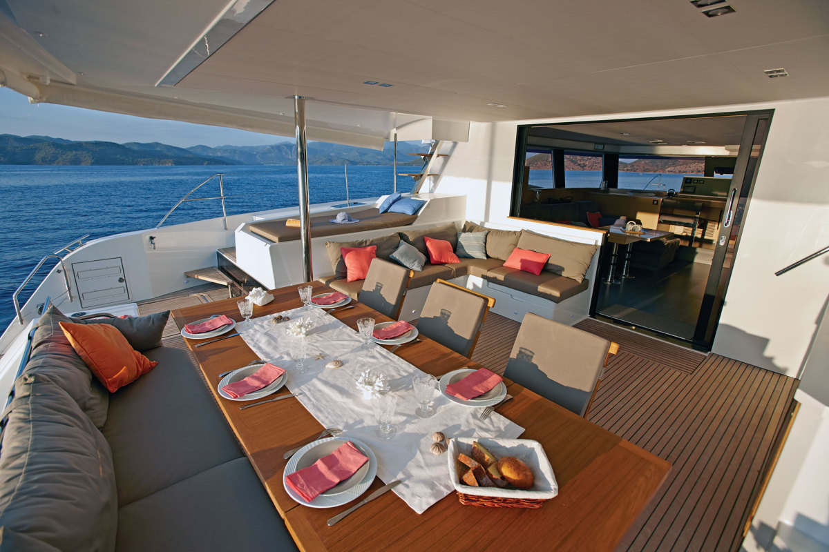 There is more than enough room in the Ipanema 58's cockpit to dine al fresco