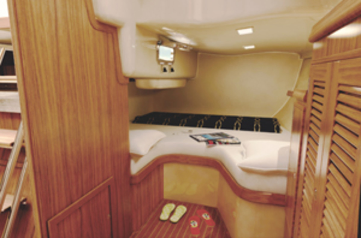 island_packet_460_aft_cabin