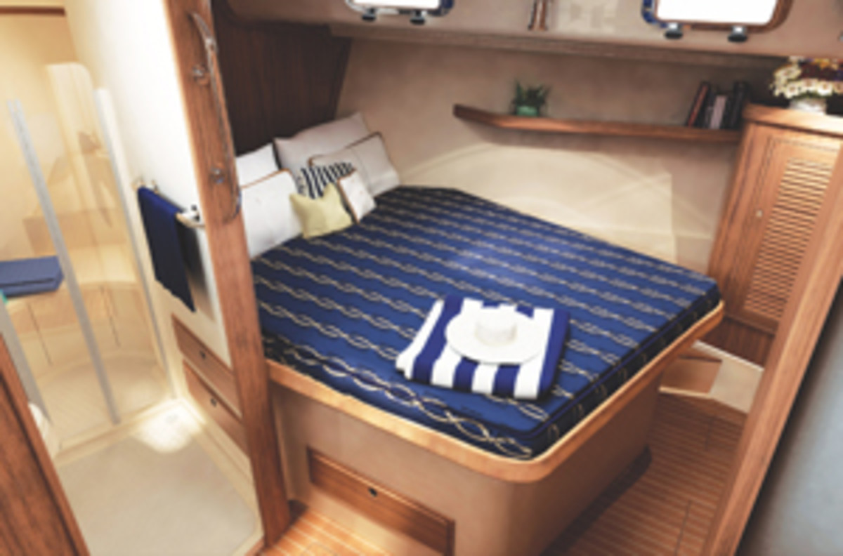 island_packet_460_forward_stateroom