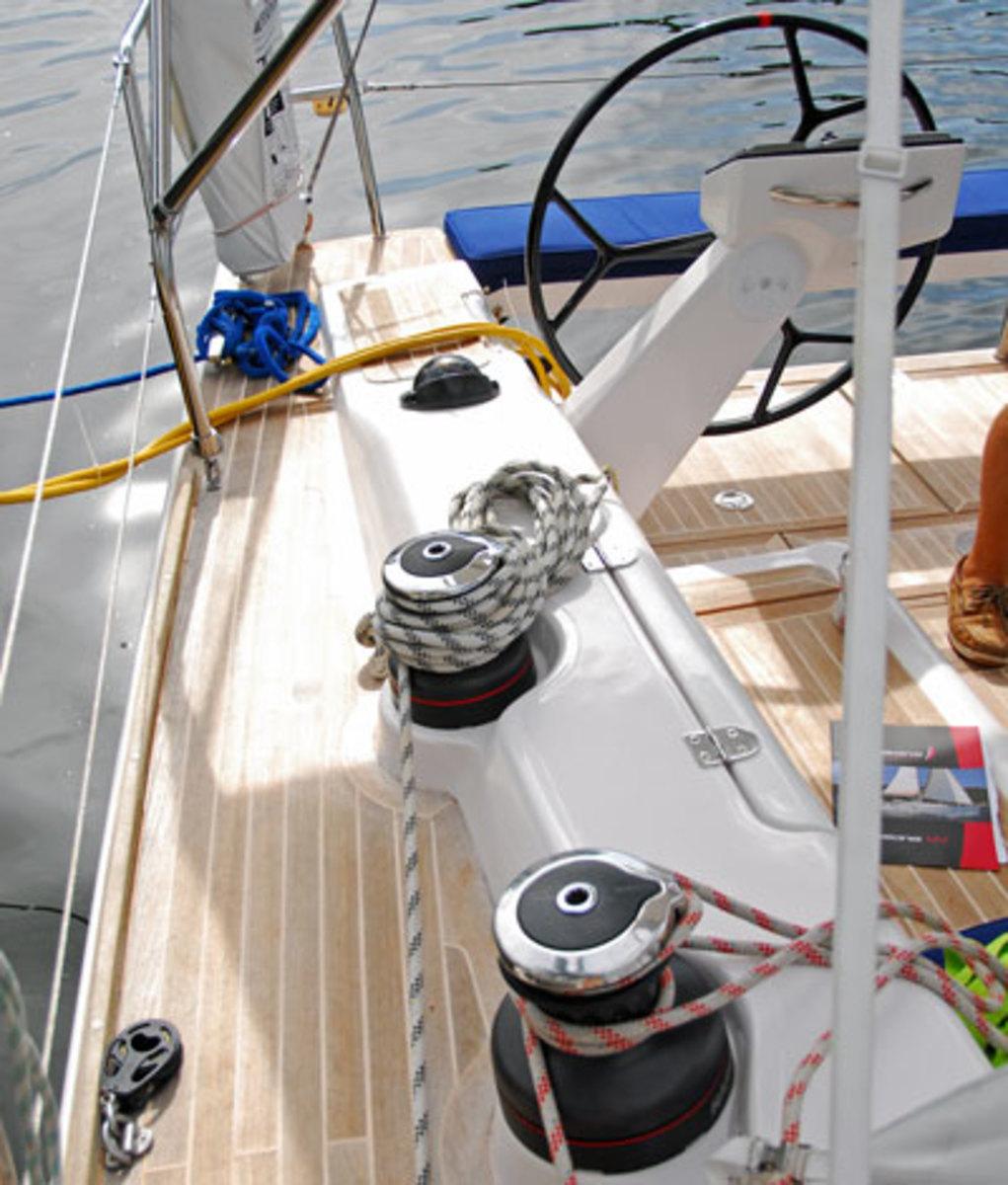 Clean deck layout