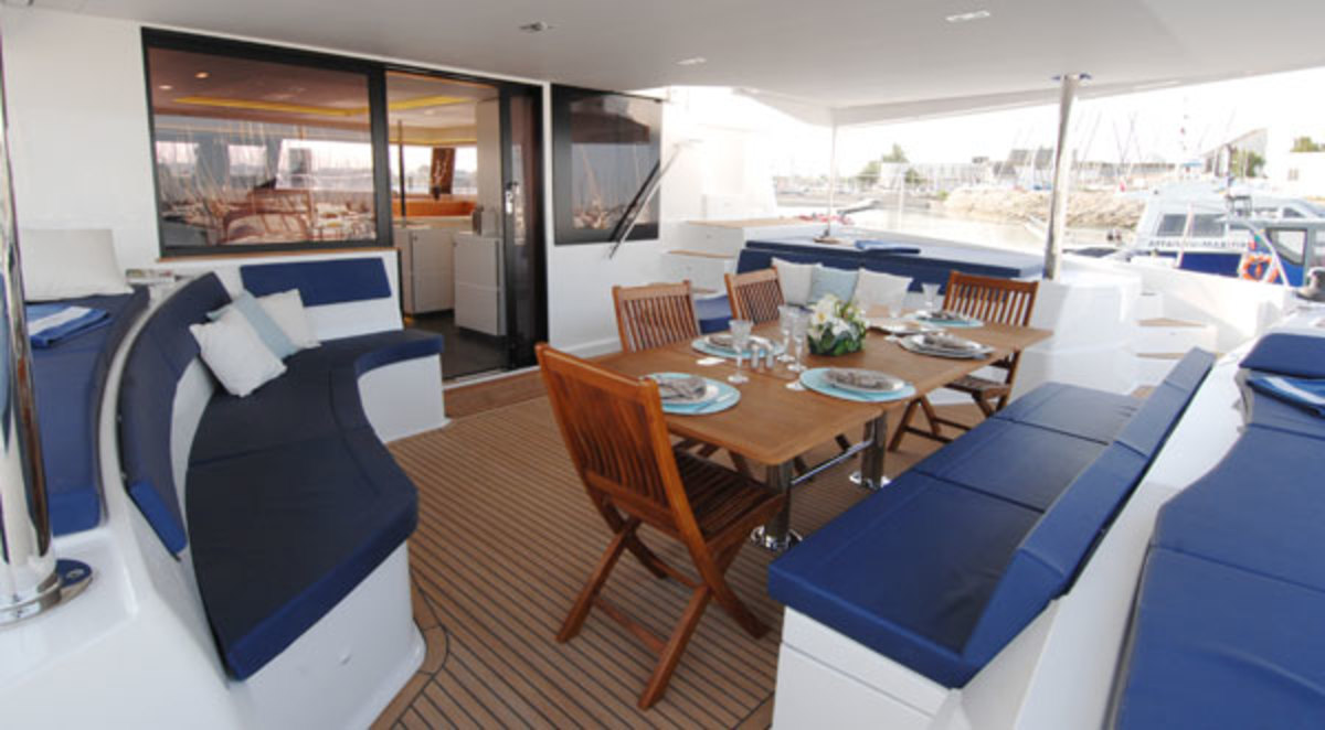 A spacious afterdeck that can entertain a crowd