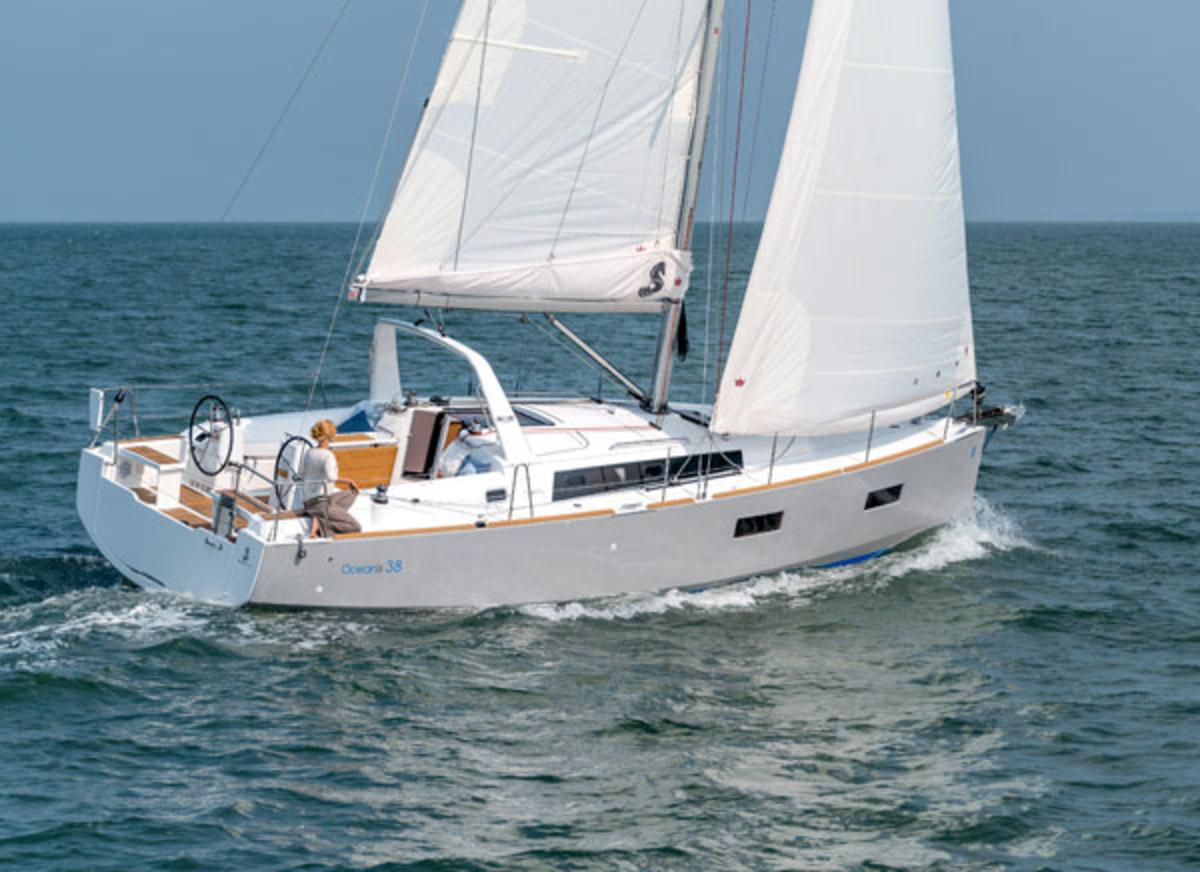 BeneteauOceanis38-600x