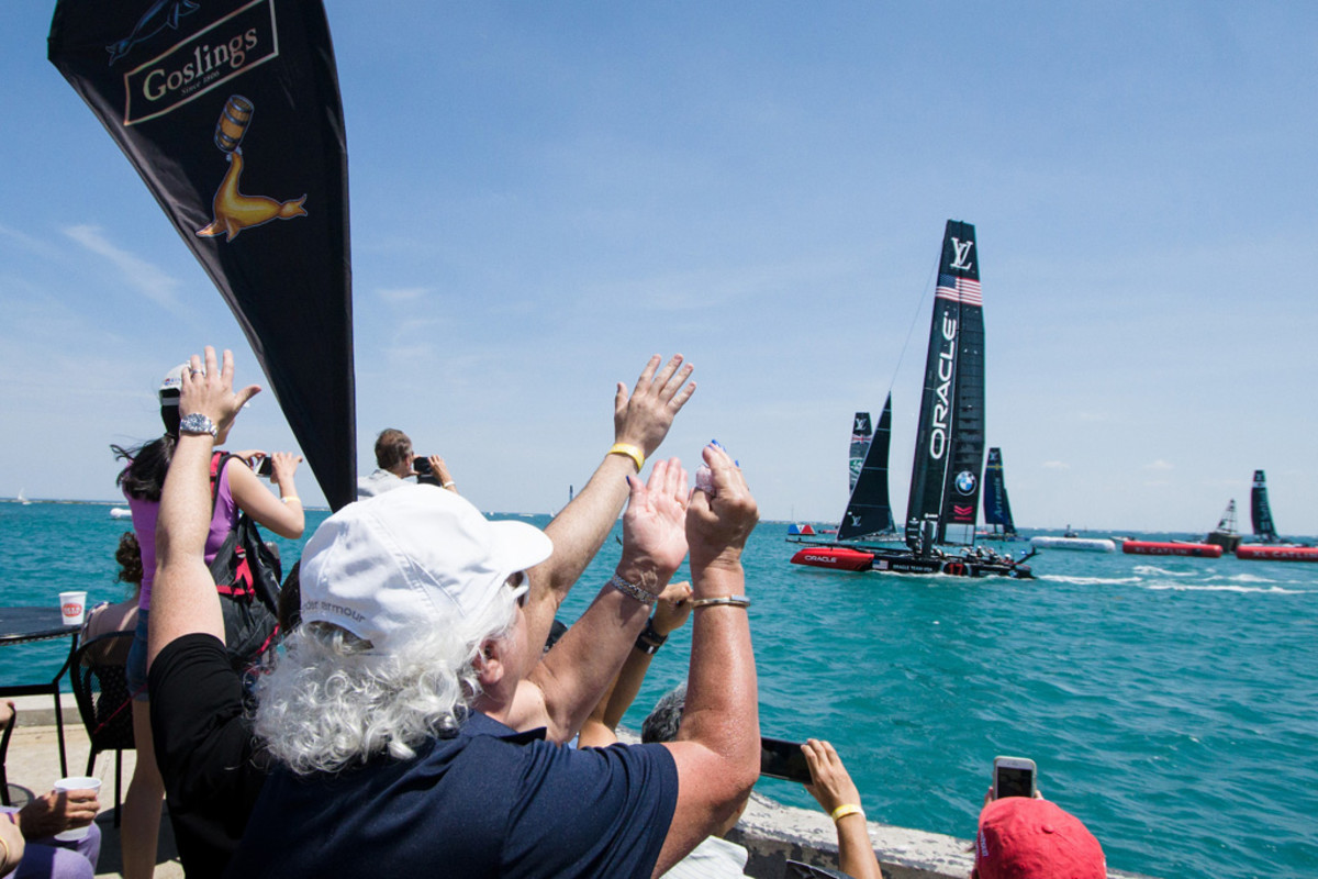 Race fans on Chicago's Navy Pier had a great view of the action. Photo courtesy of ACEA/Ricardo Pinto