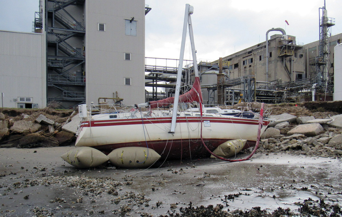 The shore of a power plant is not the ideal place to manage a salvage