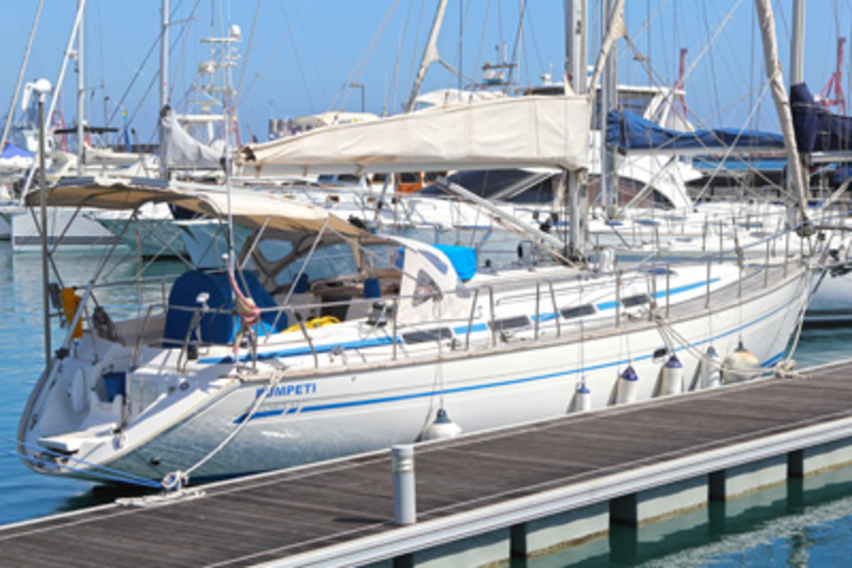A well-travelled Bavaria 42