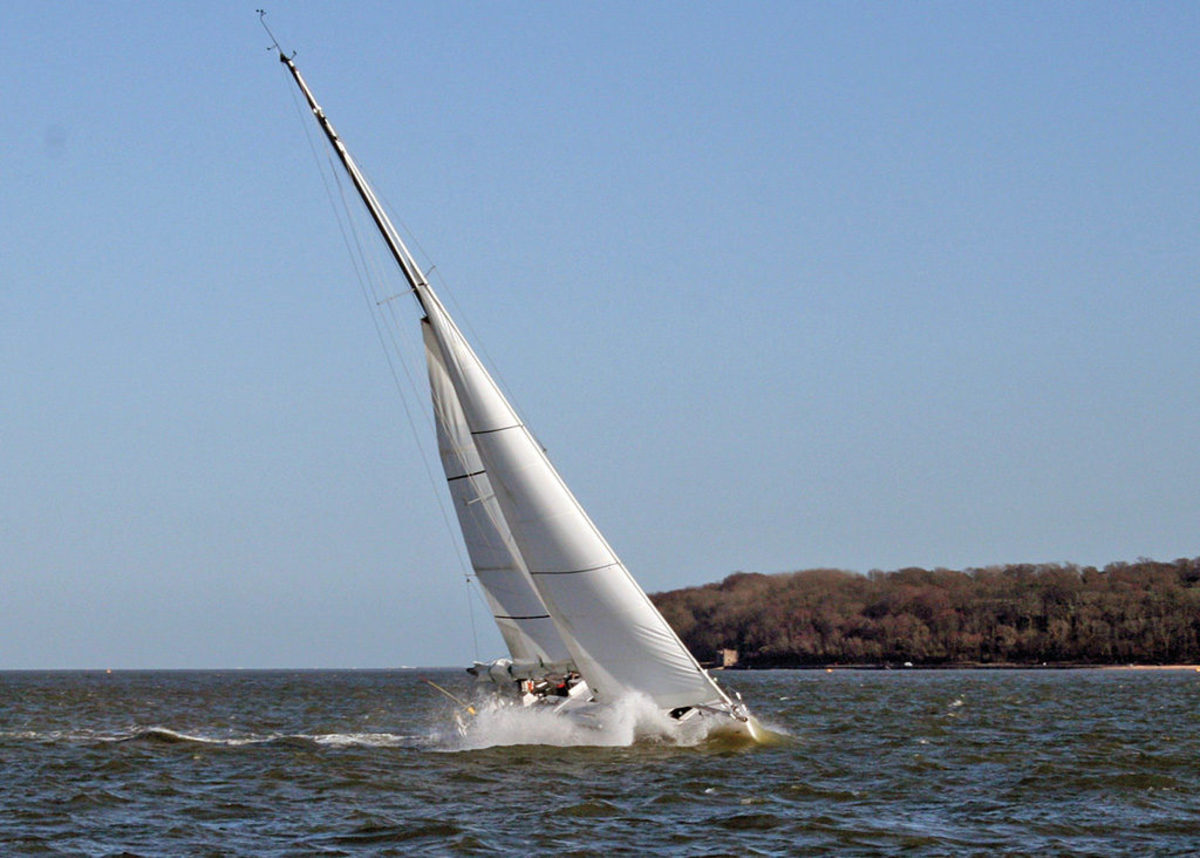 Although this boat is doing well with a reefed main, there could be trouble if the wind gets any stronger