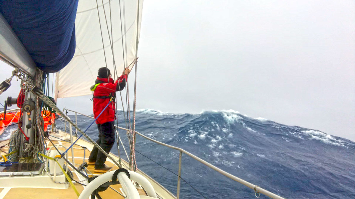 "Randall Reeves aboard Moli in more ""moderate"" conditions in the Southern Ocean"