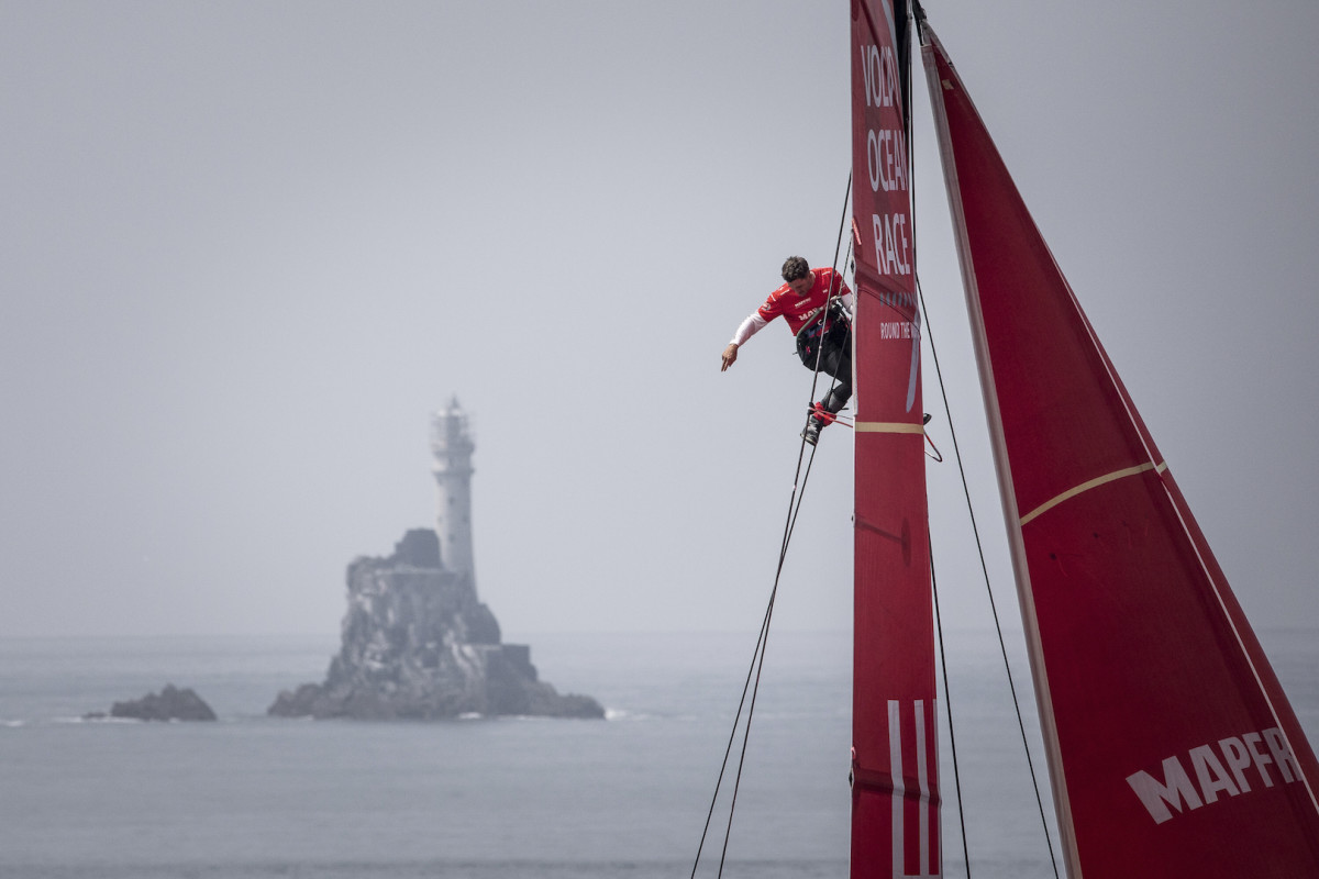 The search wind continues off famed Fastnet Rock