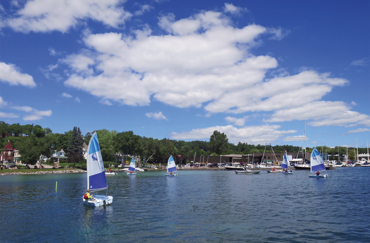 Young-sailors-at-Harbor-Springs