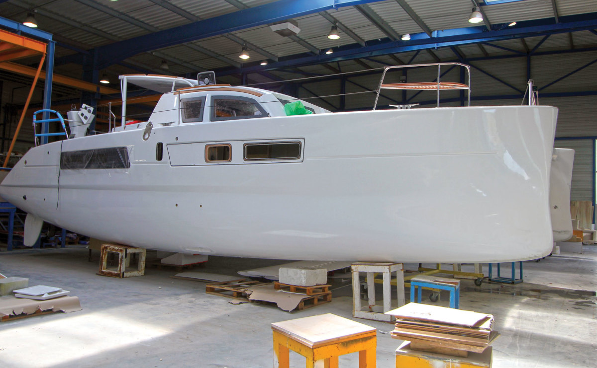 A Catana 42 takes shape