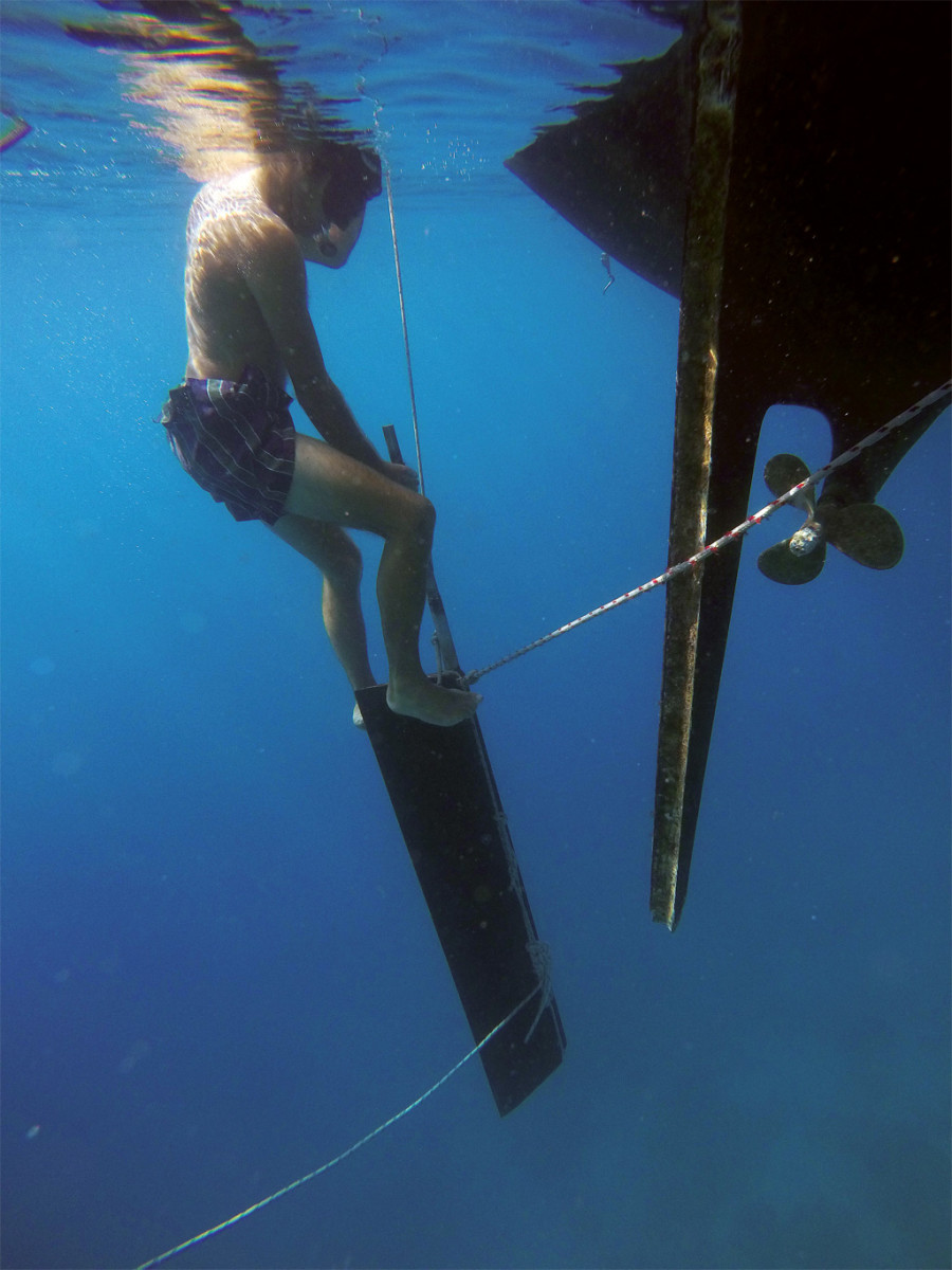 Dealing with a broken rudder mid-passage is not for the faint of heart