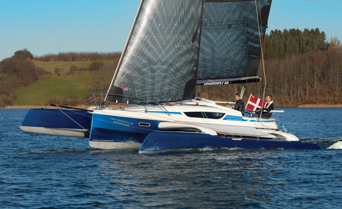 A Dragonfly 28 shows a typically good turn of speed in ideal conditions