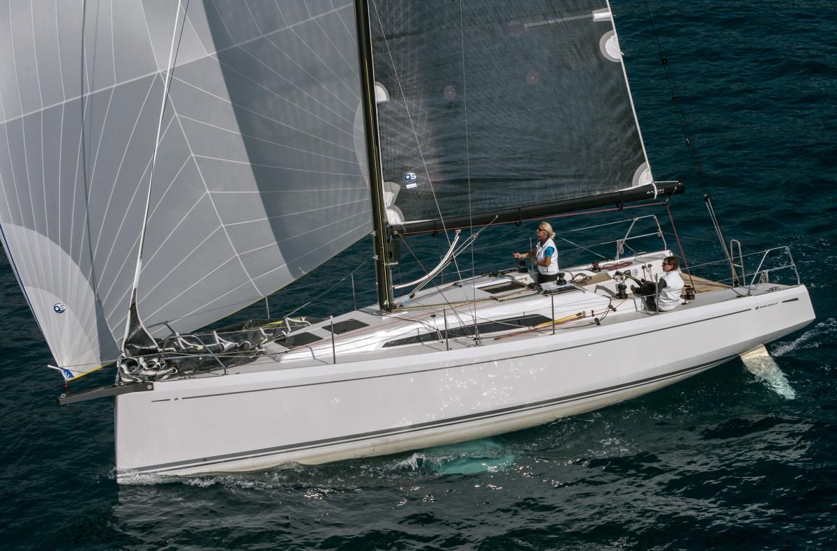 Grand-Soleil-34-sailing