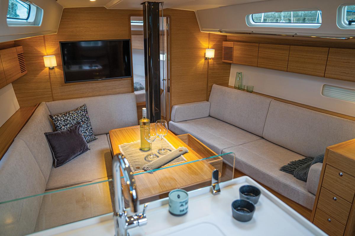 X-yachtsInterior