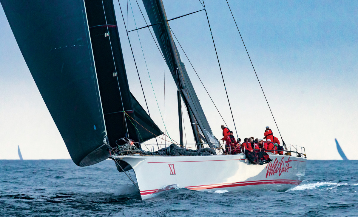 The maxi Wild Oats XI stretches out her lead in the final stages of the race