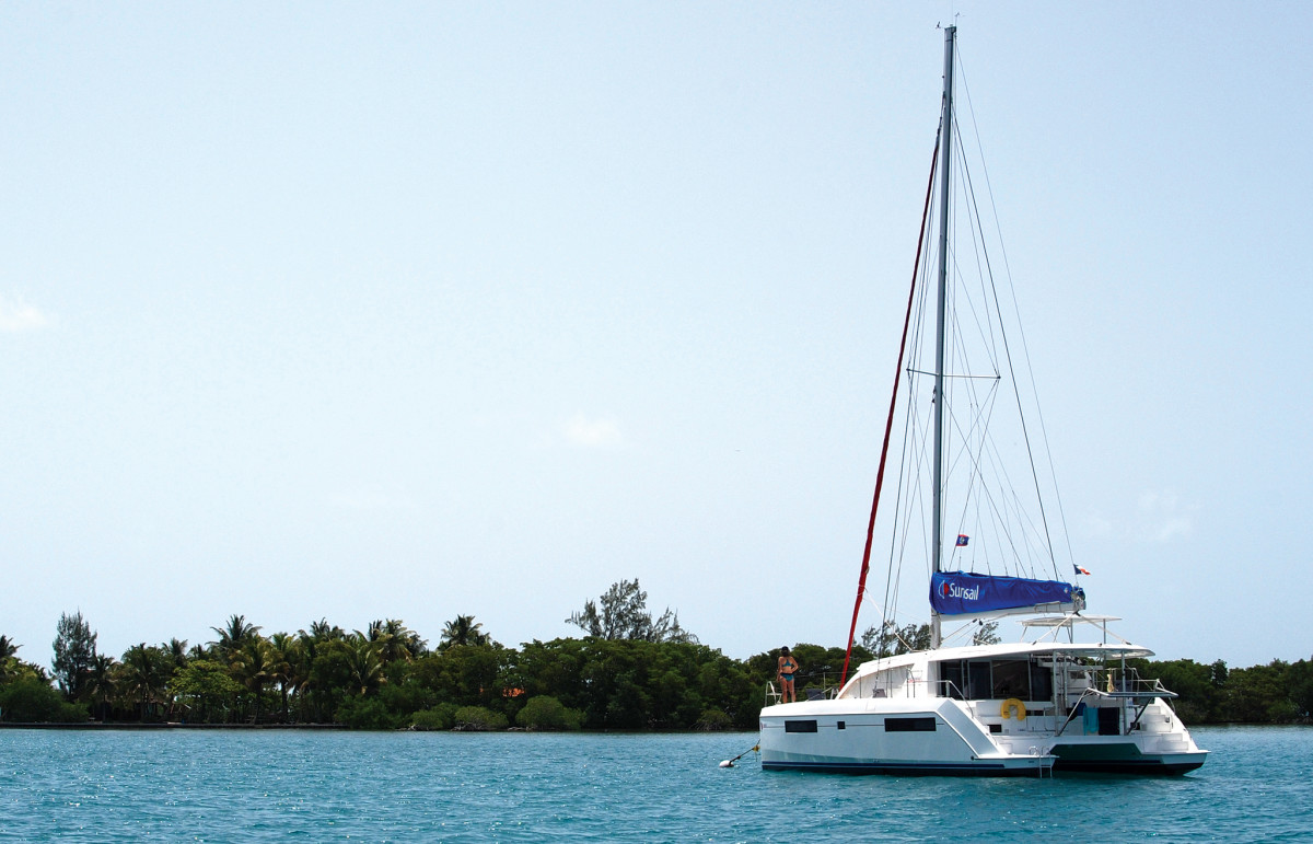 Hamako tugs at her mooring in the lee of Wippari Cay
