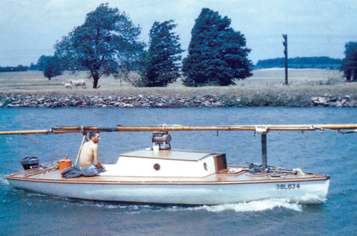 The Owl proceeds with her mast unstepped in readiness for the Erie Canal