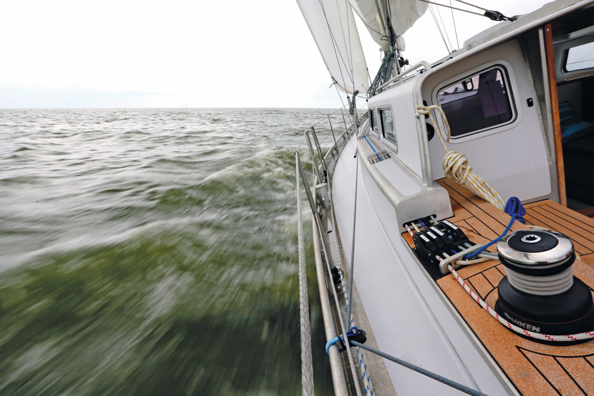 Fiber lifelines are increasingly found on new boats such as this Dutch-built Bestevaer