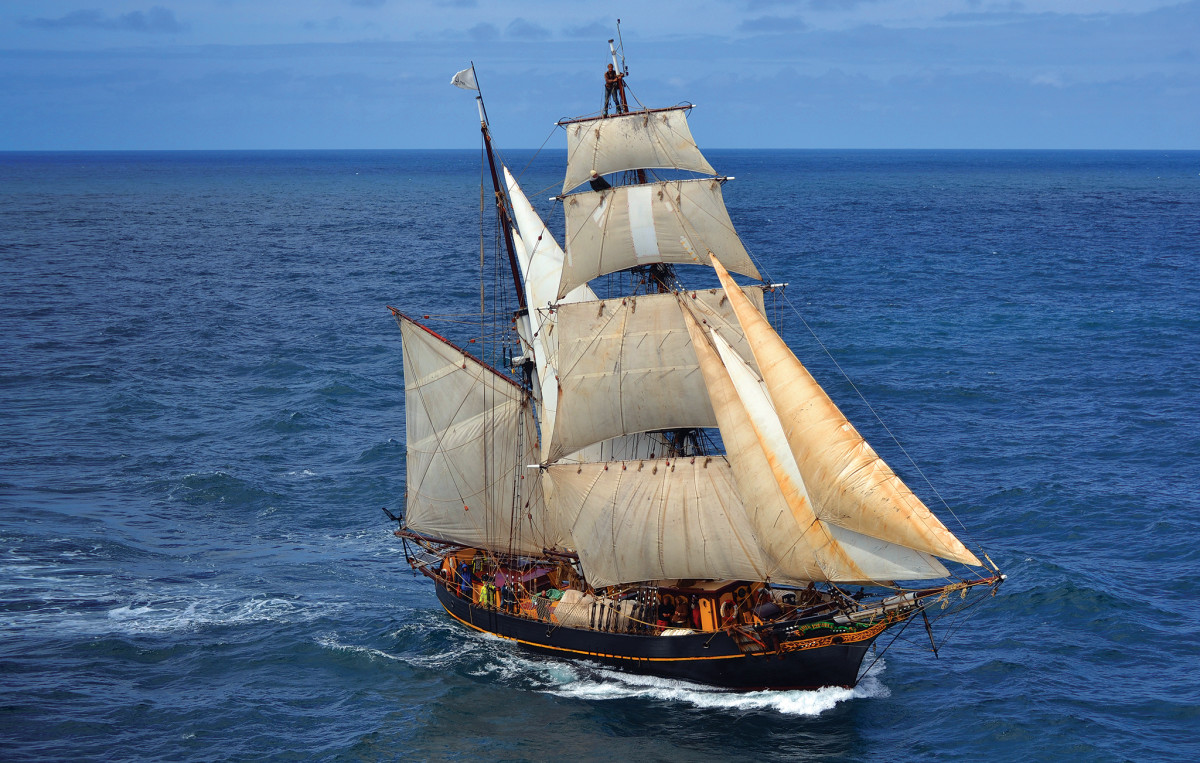 In addition to cutting a fine figure, Tres Hombres is one of the most ecofriendly vessels on the high seas