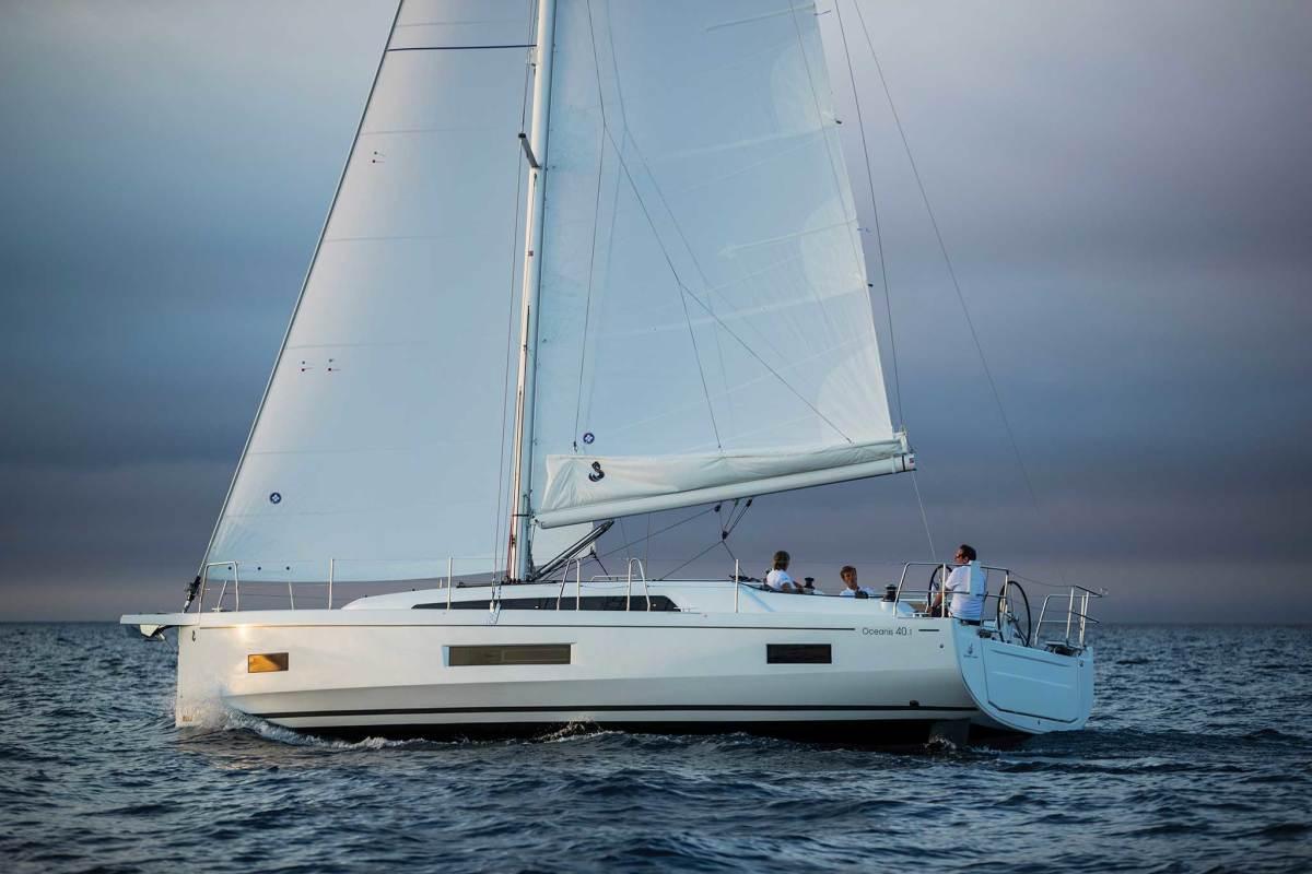 Beneteau-Oceanis-40.1