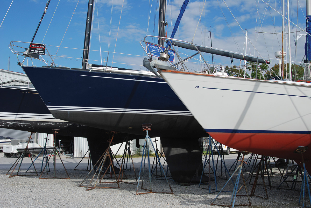 Fiberglass alone is not sufficient to keep a fin keel securely attached
