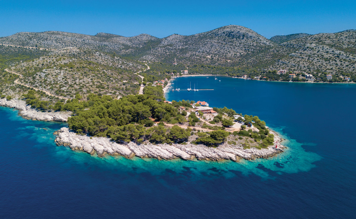 Skrivena Luka on Lastovo is typical of the anchorages we found