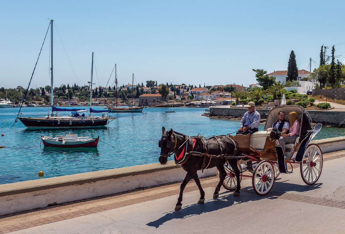 There are no cars on Spetses; a horse and buggy is the closest you'll get to a taxi