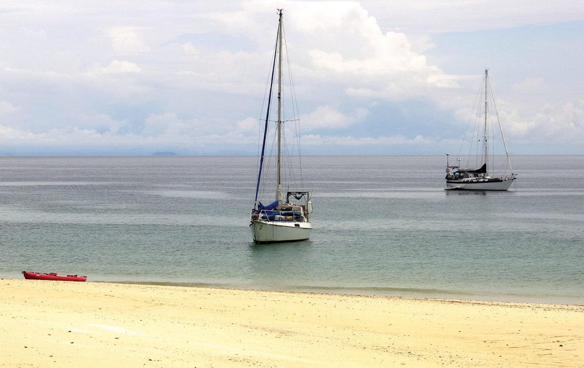 The anchorage at Isla Chapera