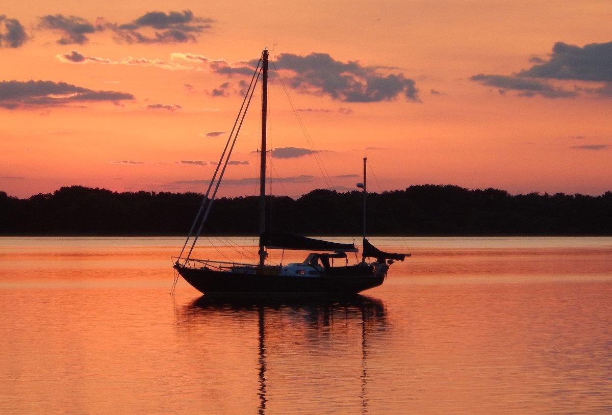 02-Scout-at-anchor-Cumberland-Island,-GA