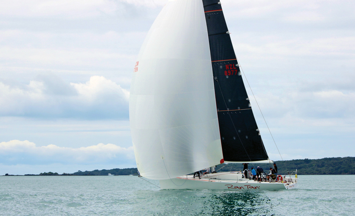 Ran Tan II in her prime, racing off the coast of New Zealand
